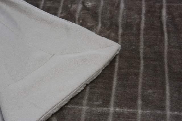 decke felloptik schlamm 150 x 200 cm wohndecke kuscheldecke decke wendedecke neu ebay. Black Bedroom Furniture Sets. Home Design Ideas