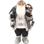 Weihnachtsmann 80 cm Norwegen stehend mit Laterne Nikolaus